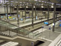 Berlin Hauptbahnhof - lower level platforms